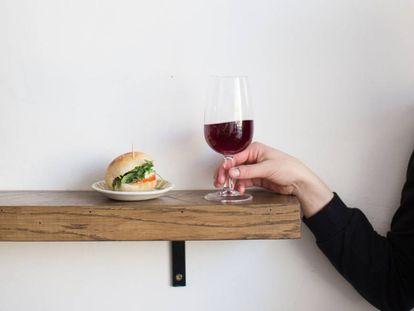 Só há um grupo da população que pode se beneficiar de uma taça de vinho por dia
