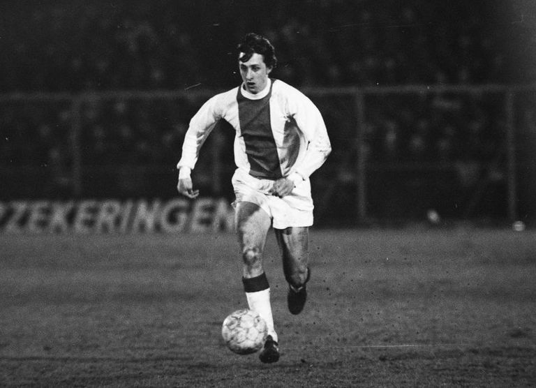 Johan Cruyff com a camisa do Ajax, em 1969.