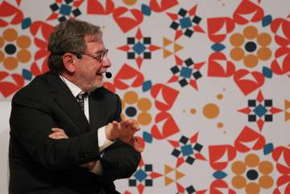 O presidente do Grupo PRISA, Juan Luis Cebrián, na Feira Internacional do Livro de Guadalajara.