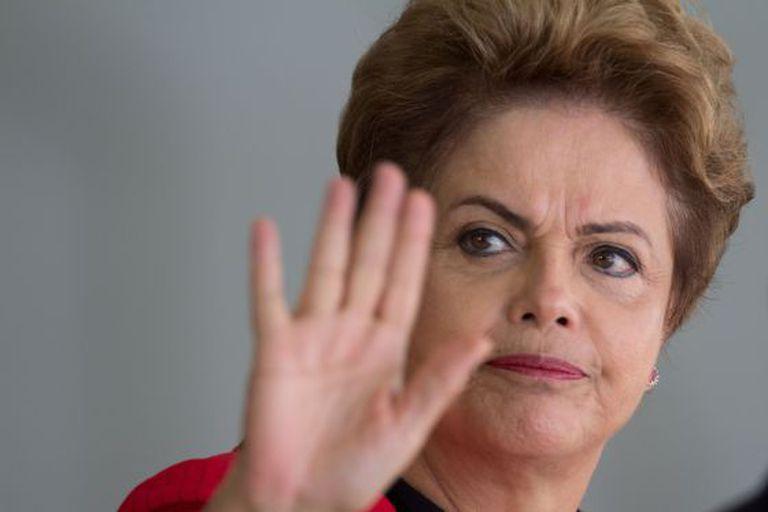 Aprovação de Dilma despenca e chega a apenas 7,7%, diz pesquisa da CNT