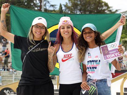 Pâmela Rosa, Letícia Bufoni e Rayssa Leal em junho de 2021.
