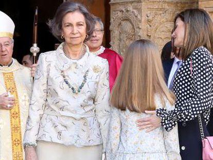 Substituição no trono representou um ponto de inflexão entre a esposa e a mãe de Felipe VI, o que ficou patente num incidente na missa de Páscoa