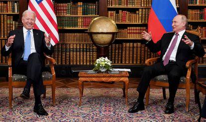 Joe Biden e Vladimir Putin, durante seu encontro de 16 de junho em Genebra (Suíça).