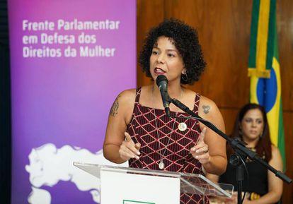 A deputada Áurea Carolina em um ato parlamentar no ano passado. (Pablo Valadares / Câmara dos Deputados)