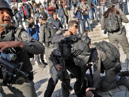 Confrontos entre israelenses e palestinos deixa manifestante morto