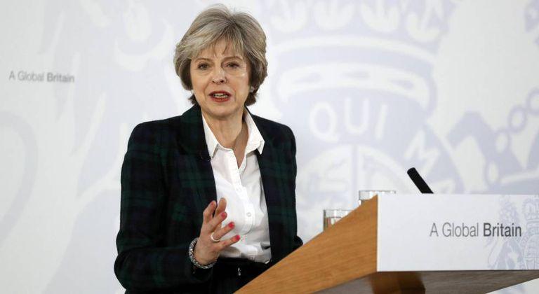 Theresa May durante uma conferência, hoje em Londres.