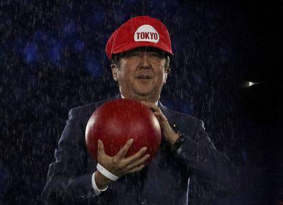 Shinzo Abe como Super Mario, na cerimônia de encerramento da Rio 2016.