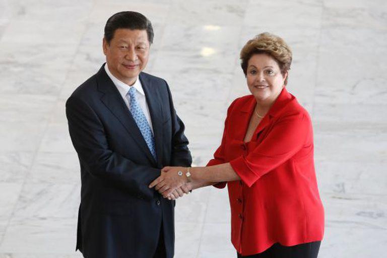 Dilma Rousseff e o presidente chinês Xi Jinping.
