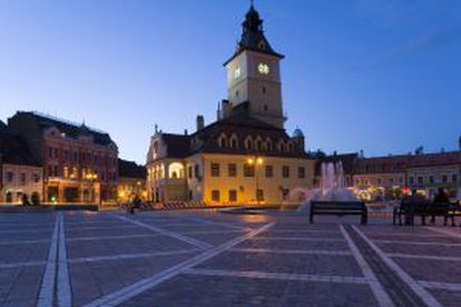 Centro histórico de Brasov, na Transilvânia (Romênia).