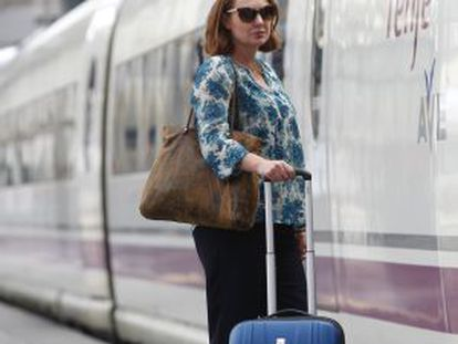 Paula Hawkins, antes de subir no trem para Barcelona.