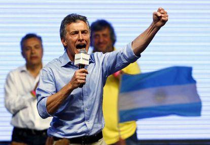 Mauricio Macri comemora sua vitória, neste domingo, em Buenos Aires.
