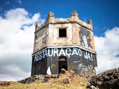 Moradores do Titanzinho lutam por restauração do antigo Farol do Mucuripe, em Fortaleza.
