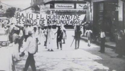 Protesto em Iguala em 1966 contra o governador de Guerrero Raymundo Abarca.