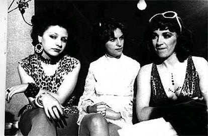 Alaska, Eva Siva e Carmen Maura (da esquerda para a direita), intérpretes de 'Pepi, Luci, Bom e Outras Garotas de Montão'.