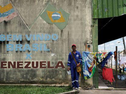 Migrante em Pacaraima, na fronteira do Brasil com a Venezuela em setembro do ano passado.