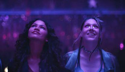 Zendaya e Hunter Schafer em uma imagem do último capítulo de 'Euphoria'.