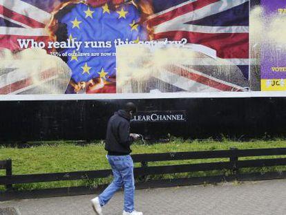 Vista de um cartaz eleitoral do UKIP, nesta segunda-feira no sul de Londres.