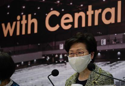 A chefa do Executivo de Hong Kong, Carrie Lam, durante uma entrevista coletiva na sexta-feira 7 de agosto.