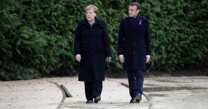 O presidente francês, Emmanuel Macron, e a chanceler alemã, Angela Merkel, no centenário do fim da I Guerra Mundial.