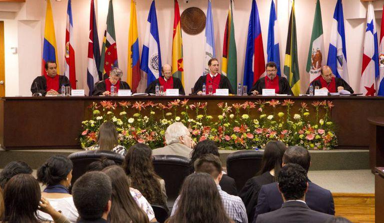 Sessão do julgamento em fevereiro de 2016.