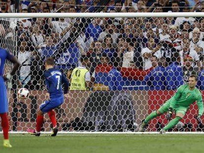França x Alemanha: Griezmann abriu o placar.