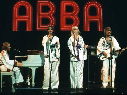 A partir da esquerda, Benny Andersson, Agnetha Fältskog, Anni-Frid Lyngstad e Björn Ulvaes, em 1979