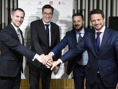 Da esquerda para a direita, os prefeitos Zdenek Hrib (Praga), Gergely Karacsony (Budapeste), Matus Vallo (Bratislava) e Rafal Trzaskowski (Varsóvia), nesta quinta-feira, na capital húngara.