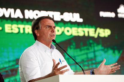 O presidente Jair Bolsonaro durante inauguração de trecho da ferrovia Norte Sul em São Simão (GO).