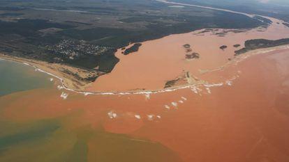 Seis meses depois da lama da Samarco, comunidades do Rio Doce lutam por justiça