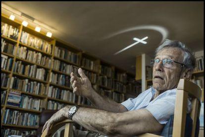 Amos Oz, durante a entrevista em sua casa em Tel Aviv.