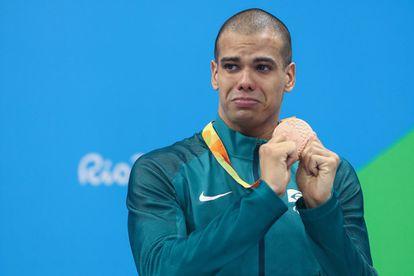 Depois de ver o pódio 'bater na trave' na Rio 2016, André Brasil, um dos favoritos a conquista de medalhas, conquistou sua primeira: o bronze nos 100m borboleta da natação. André foi às lágrimas ao subir no pódio.