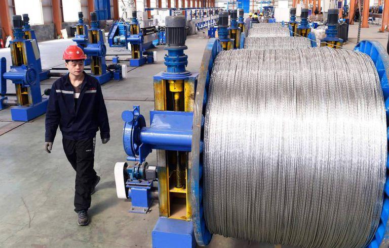 Os EUA imporão tarifas a uma lista de 1.300 produtos chineses, entre eles o alumínio.