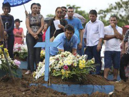 Presidente não comentou massacre em presídio de Manaus e faz reunião nesta quinta. Falta verba e plano unificado ao Executivo enquanto Estados temem onda de rebeliões