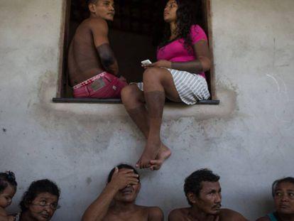 Indígenas gamela se reúnem na aldeia Cajueiro Piraí, em Viana. Uma das primeiras áreas retomadas por eles, no final de 2015.
