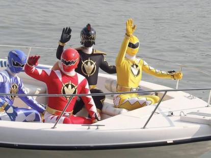Os personagens da franquia 'Power Rangers' chegando a Mumbai como autênticas estrelas em 2007.