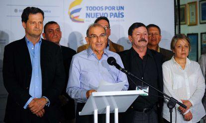 Humberto de la Calle chefia a delegação colombiana nos diálogos de paz em Havana.
