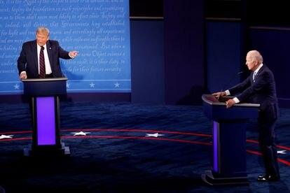 O presidente Donald Trump e o candidato democrata, Joe Biden, durante o debate.