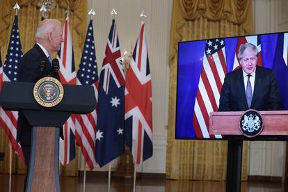 Joe Biden e Boris Johnson anunciam a iniciativa estratégica conjunta com a Austrália nesta quarta-feira.