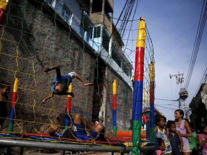 Crianças no Rio de Janeiro.