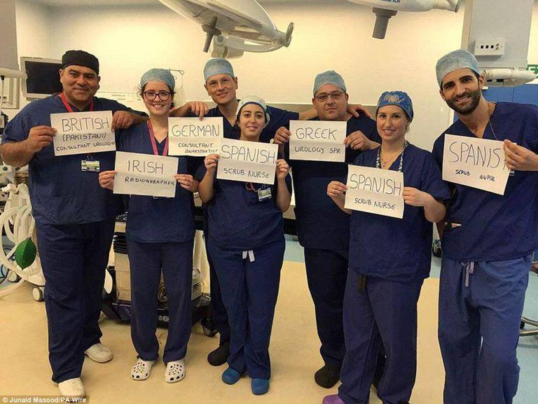Funcionários estrangeiros no hospital da Universidade Homerton.