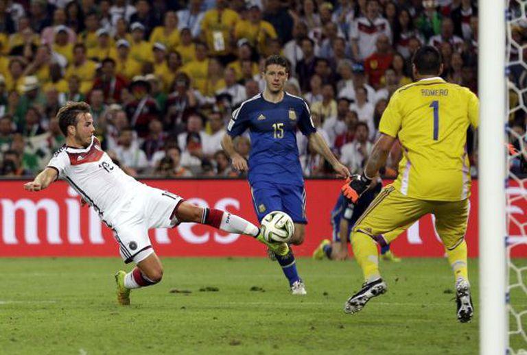 Götze marca o gol da vitória da Alemanha.