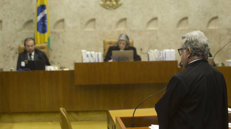 Mariz, advogado de Temer, na tribuna do STF, no dia 13.
