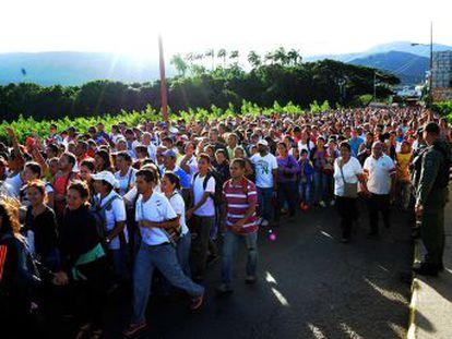 É a primeira grande travessia autorizada por Caracas desde o fechamento da fronteira há 11 meses