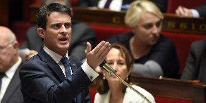 O primeiro-ministro francês, Manuel Valls, nesta terça-feira no Parlamento.