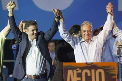 Aécio Neves e Fernando Henrique Cardoso na convenção do PSDB.