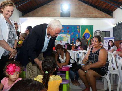 O vice-presidente dos EUA, Mike Pence, na Casa de Acolhida Santa Catarina, em Manaus, nesta quarta-feira