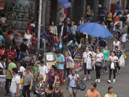 Rua 25 de março, um dos maiores centros comerciais do Brasil