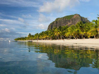 Praia na Ilha Mauricio.