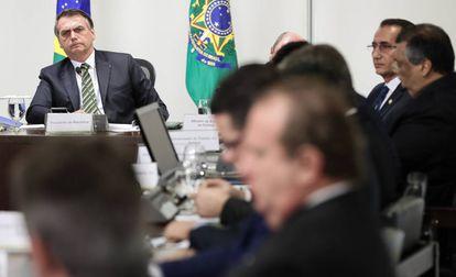 Bolsonaro durante reunião com governadores no Palácio do Planalto.