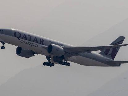 Um Boeing 777 da companhia aérea Qatar Airways Cargo.